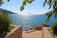 Una vista alle isole attraverso una baia Fotografia Stock