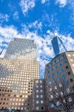Una vista altra di una concentrare e costruzione commerciale New York, S Immagine Stock