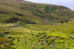 Una vista attraverso il passaggio di Glenshane del cairn in Irlanda del Nord immagine stock libera da diritti