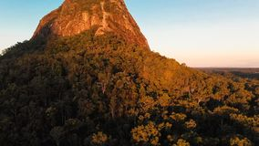 Una vista attraverso le montagne parco nazionale, Australia della serra stock footage