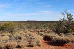 Una vista da una certa distanza sul supporto Conner nell'entroterra del Territorio del Nord in Australia Fotografia Stock Libera da Diritti