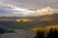 Una vista dal punto di vista di Duich del Loch Fotografia Stock