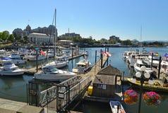 Una vista de barcos en la costa, Victoria Foto de archivo