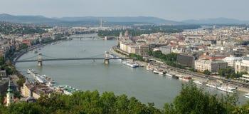 Una vista de Budapest de Citadella, colina de Gellért Imagen de archivo