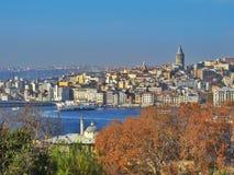 Una vista de Estambul con el estrecho de Bósforo Fotografía de archivo libre de regalías