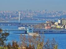 Una vista de Estambul con el estrecho de Bósforo Imagen de archivo libre de regalías