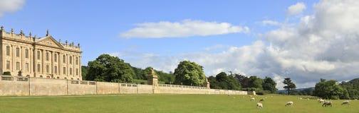 Una vista de la casa de Chatsworth, Gran Bretaña Imágenes de archivo libres de regalías