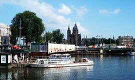 Una vista de la ciudad de Amsterdam, los Países Bajos imagen de archivo