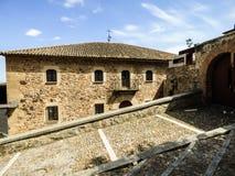 Una vista de la ciudad vieja del ` de Caceres, España Imagen de archivo libre de regalías