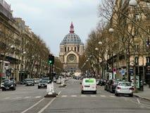 Una vista de la iglesia de Santo-Agustín en París Imagen de archivo libre de regalías