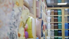 Una vista de la tienda de la materia textil almacen de video