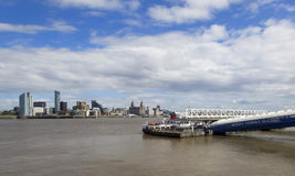 Una vista de Liverpool y del río de Mersey Imagenes de archivo