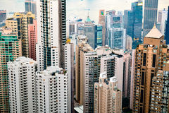 Una vista de los skyscarpers de Hong Kong, de Victoria& x27; pico de s Imagenes de archivo