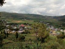 Una vista de un pueblo hermoso de Rangshken fotos de archivo