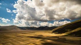 Una vista dei campi dell'Italia fotografia stock