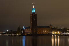 Una vista del ayuntamiento de la noche en Estocolmo suecia 05 11 2015 Imagen de archivo