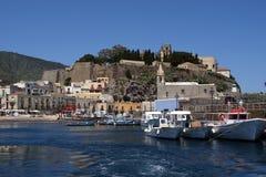 Una vista del castillo de Lipari Fotos de archivo