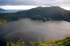 Una vista del crator del vulcano di Taal a Tagaytay nelle Filippine Fotografie Stock