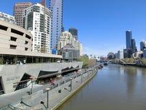 Una vista del fiume di Yarra, Melbourne, Victoria, Australia fotografia stock libera da diritti