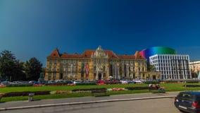 Una vista del museo hyperlapse del timelapse de los artes y de los artes en Zagreb durante el día Zagreb, Croacia metrajes