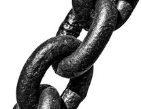 Una vista del primo piano di tre collegamenti della catena del ferro di lerciume Fotografia Stock Libera da Diritti