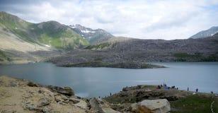 Río y montaña Foto de archivo libre de regalías