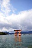 Una vista del santuario di Itsukushima a Miyajima, Giappone Fotografia Stock