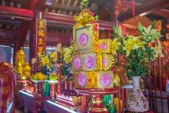 Una vista del templo adentro de la literatura en Hanoi, Vietnam fotografía de archivo