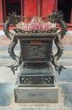 Una vista del templo adentro de la literatura en Hanoi, Vietnam imágenes de archivo libres de regalías