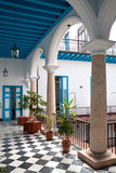 Una vista dell'interiore coloniale della costruzione Fotografia Stock
