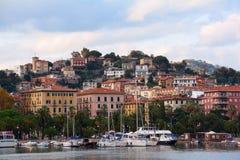 Una vista della città di La Spezia, Italia fotografia stock libera da diritti