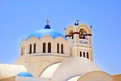 Una vista della una coppia di chiesa a cupola blu famosa fotografia stock