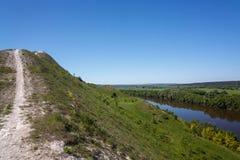 Una vista desde arriba de las colinas de la tiza en Rusia central Imagenes de archivo