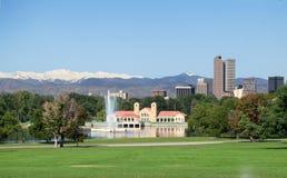 Una vista di Denver del centro dal parco della città Immagini Stock Libere da Diritti