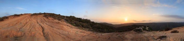 Una vista di 360 gradi delle montagne dalla cima del mondo Fotografia Stock