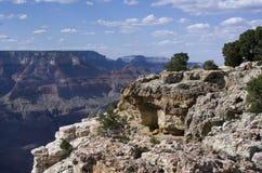 Una vista di Grand Canyon nelle ombre di pomeriggio Fotografia Stock Libera da Diritti