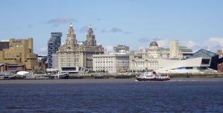 Una vista di Liverpool e del fiume della Mersey Immagine Stock