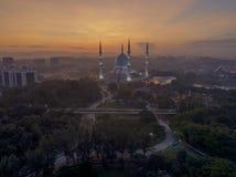 Una vista di notte alla moschea blu, Shah Alam, Malesia Fotografia Stock Libera da Diritti