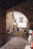 Una vista di Palazzo Corvaja sviluppata nel palazzo medievale del X secolo immagine stock