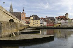 Una vista di panorama della città tedesca Regensburg Immagine Stock