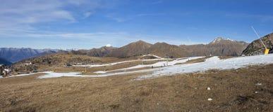 Una vista di Prealps da Valtorta, Lombardia, Italia Fotografie Stock
