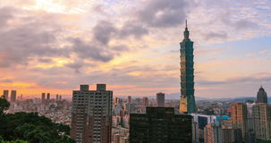 Una vista di Timelapse della torre 101 4K stock footage