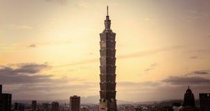 Una vista di Timelapse della torre 101 4K video d archivio