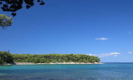 Una vista di una spiaggia dell'isola fotografie stock libere da diritti