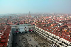 Una vista di Venezia da sopra fotografia stock libera da diritti