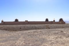 Una vista distante del paso Jiyuguan de Jiayu fotos de archivo