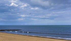 Una vista fuori al mare fuori dalla spiaggia di Skegness, Regno Unito Fotografia Stock Libera da Diritti