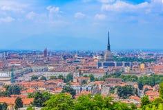 Una vista magnifica di Torino con la talpa Antonelliana, il simbolo architettonico di Torino Immagini Stock Libere da Diritti