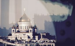 Una vista meravigliosa di Cristo il salvatore sopra il fiume Moskva Immagini Stock Libere da Diritti