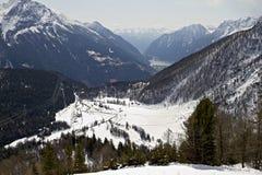 Una vista nell'alpe dal passaggio di Bernina fotografie stock libere da diritti